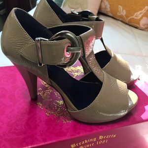 Candie's Taupe Heels